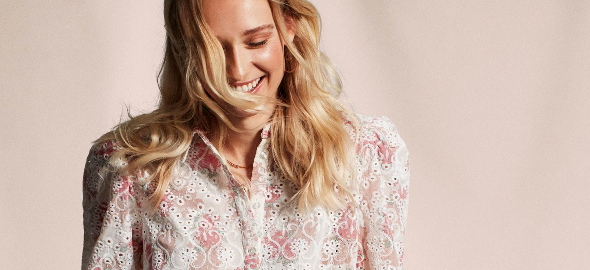Marie Philippe blomsterbluse med rosa blomster