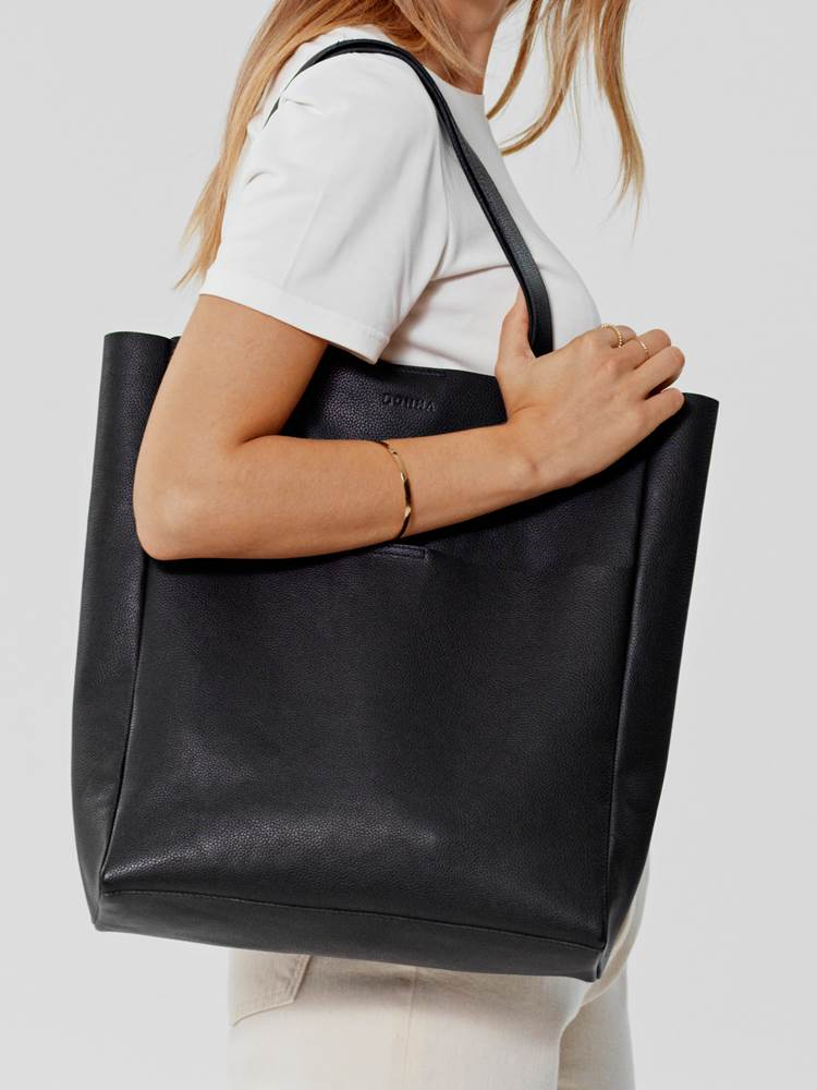 Donna Skinn Tote 7246331_CAB-DONNA-S21-Modell-front_Donna Skinn Tote CAB.jpg_Front||Front