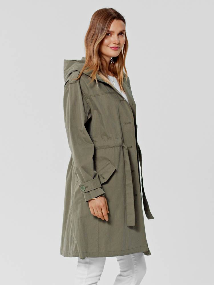 Marian Trench 7246160_GMM-S21-MARIE PHILIPPE-MODELL-RIGHT_Marian Trench GMM.jpg_Right||Right