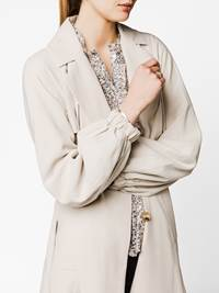 Emilia Trench 7242159_A9S-DONNA-S20-RIGHT-MODELL_Emilia Trench A9S.jpg_Right||Right