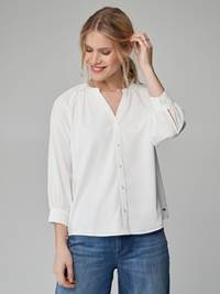 Sanne Bluse 7246515_O79-JEANPAULFEMME-H21-Modell-front_21167_Sanne Bluse O79.jpg_Front||Front