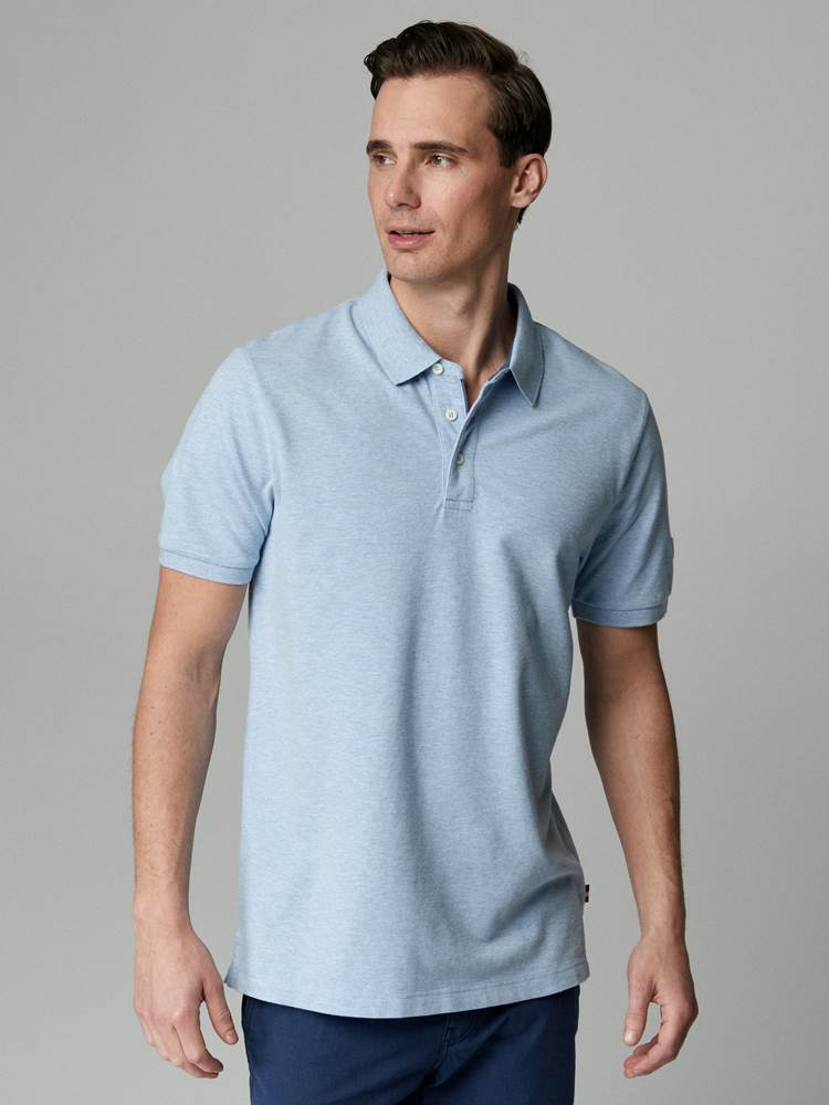 Marvin Stretch Pique 7246511_EEO-JEANPAUL-H21-Modell-front_19202_EN3_Marvin Stretch Pique EN3.jpg_