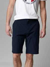 Vincent Stretch Shorts 7246818_EM6-JEANPAUL-H21-Modell-front_95108_Vincent Stretch Shorts EM6.jpg_Front||Front
