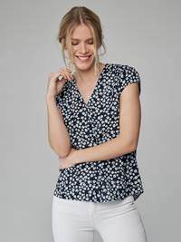 Fleurie Bluse 7247061_EM6-JEANPAULFEMME-H21-Modell-front_99786_Fleurie Bluse EM6.jpg_Front  Front