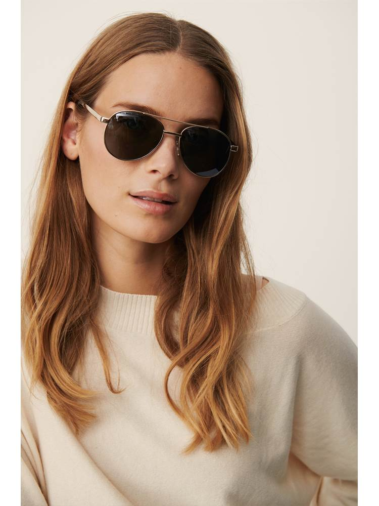 Hani solbrille 7247020_I0M-PART TWO-S21-modell-front.jpg_Front  Front