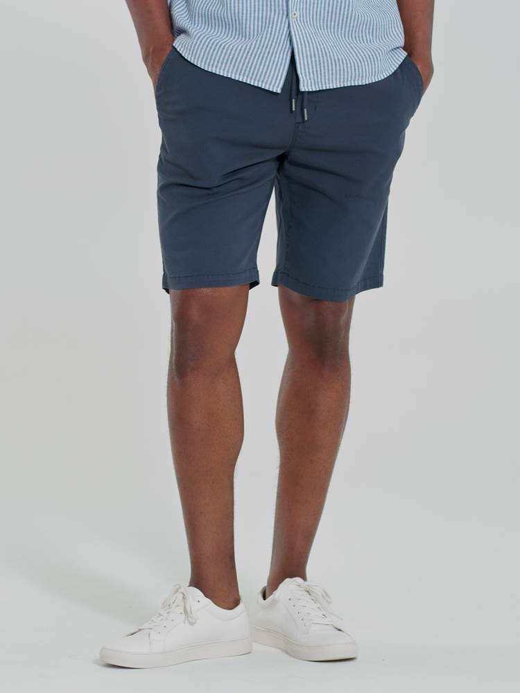 Relaxed Shorts 7246679_EOK-Redford-H21-Modell-Front_Relaxed Shorts EOK.jpg_Front||Front