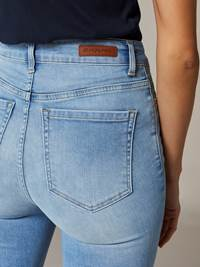 Ine Highwaist Jeans 7241658_JEAN PAUL_S20_INE HIGHWAIST_DAD_999_DETAIL_Ine Highwaist Jeans DAD.jpg_