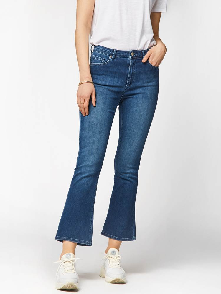 Sophia Flared Cropped Jeans