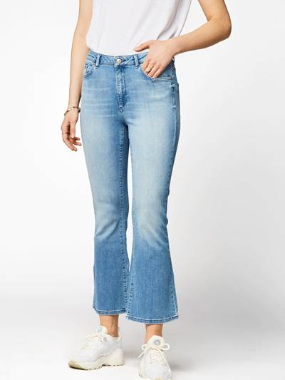 Sophia Flared Cropped  Jeans DAD