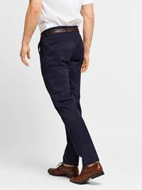 Brian Stretch Chino 7206896_EM6_JEAN PAUL_noos_modell_back_Brian Stretch Chino EM6.jpg_