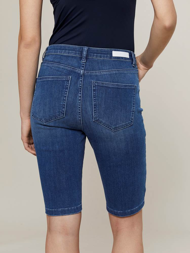 Ine City Shorts 7242949_DAB-JEANPAULFEMME-H20-Modell-back_83824_Ine City Shorts DAB.jpg_Back||Back