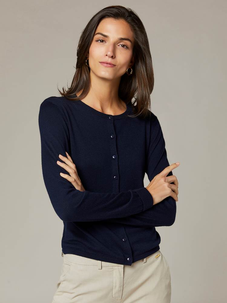 Agnes Cardigan 7241614_EM6-JEANPAULFEMME-S20-Modell-front_42366_Agnes Cardigan EM6.jpg_Front||Front