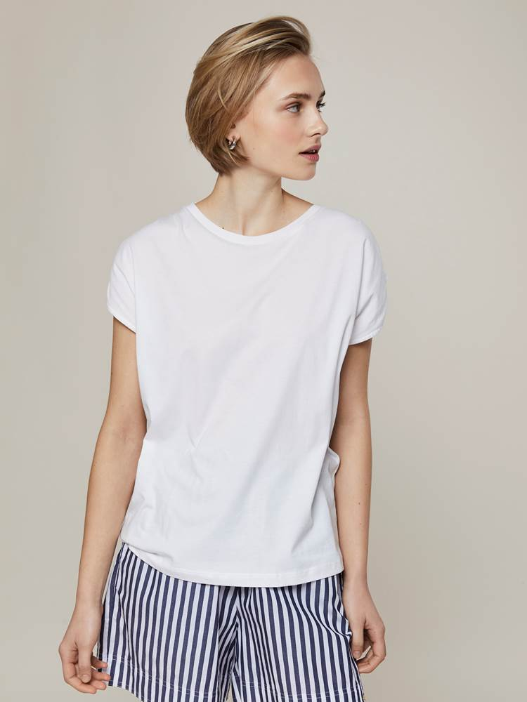 Annabelle Top 7243318_O68-JEANPAULFEMME-H20-Modell-front_19313_Annabelle Top O68.jpg_Front||Front