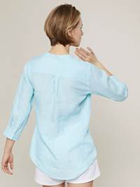 Lucia Linblouse 7242950_D06-JEANPAULFEMME-H20-Modell-back_86035_GIO_Lucia Linblouse GIO.jpg_
