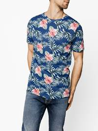 Hibiscus T-skjorte 7237897_EHG-REDFORD-H19-Modell-front_25230.jpg_Front||Front