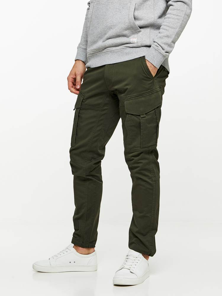 CARGO STRETCH PANT 7239656_GUC-HENRYCHOICE-A19-Modell-left_91250_CARGO STRETCH PANT GUC.jpg_Left||Left