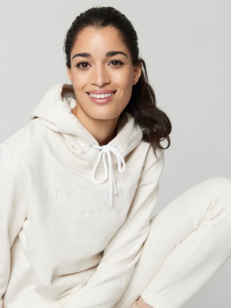 Royanna Hoodie 7247789_I2M-JEANPAULFEMME-A21-Modell-front_2503_Royanna Hoodie I2M.jpg_Front||Front