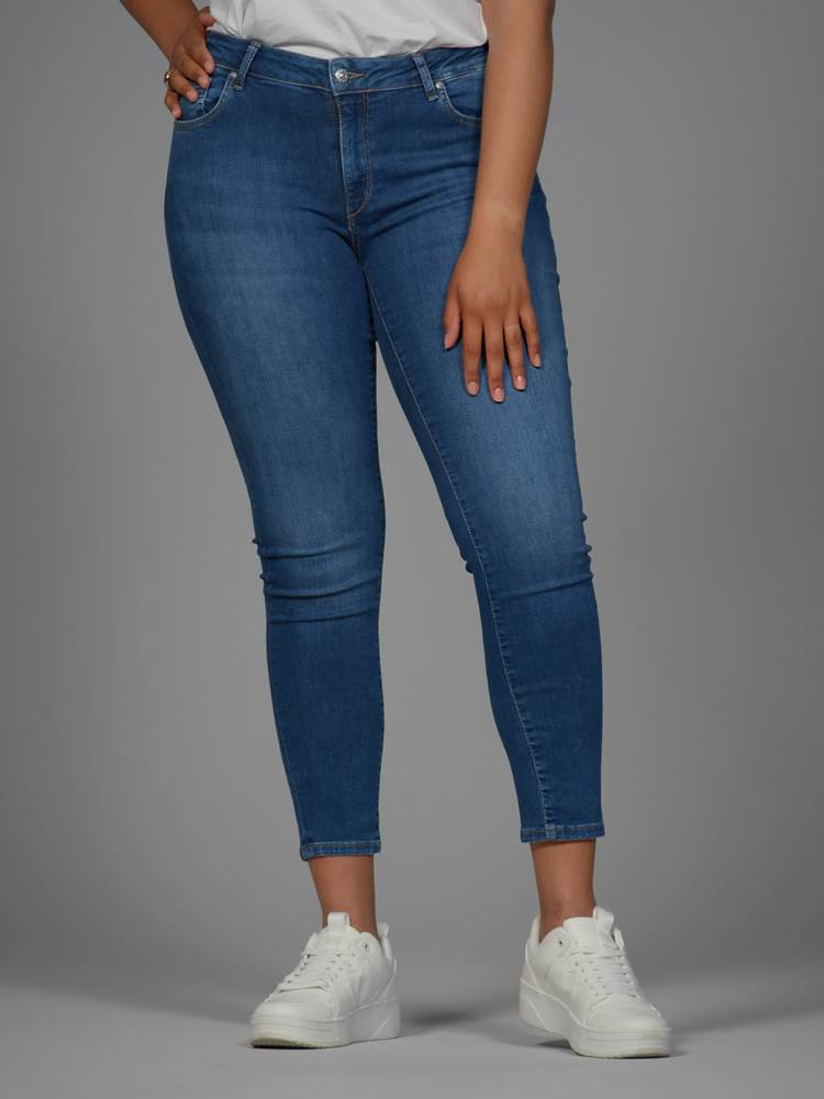Sophia Curvy Cropped Jeans 7246420_DAB-VAVITE-NOS-Modell-Front_chn=match_80179_Sophia Curvy Cropped Jeans DAB.jpg_Front||Front