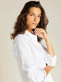 Hannah Oxford Skjorte 7239097_O68-JEANPAULFEMME-A19-Modell-right_12613_Hannah Oxford Skjorte O68.jpg_Right||Right