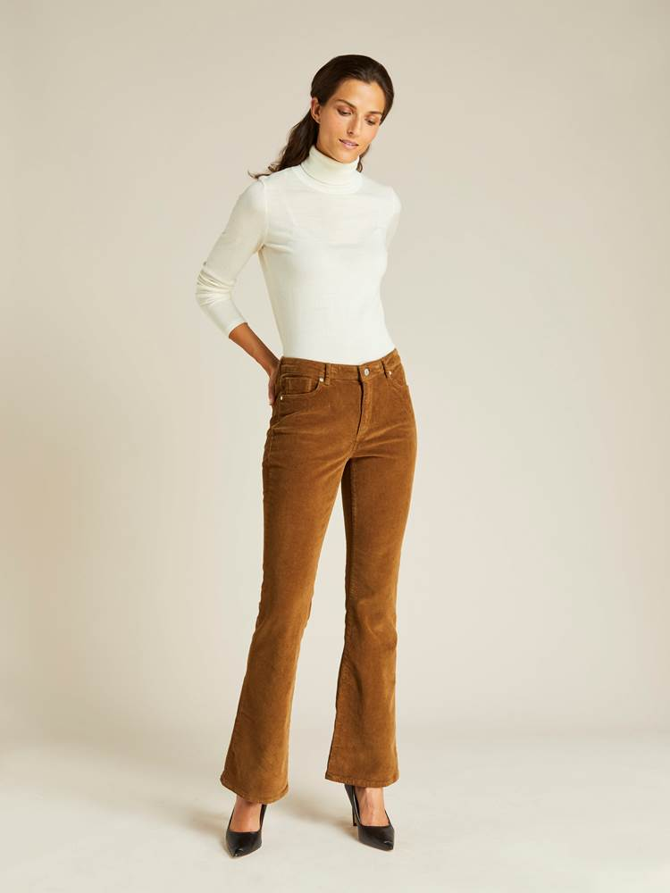 Sabine Cord Flare Pant 7239744_AFD-JEANPAULFEMME-A19-Modell-front_151_Sabine Cord Flare Pant AFD.jpg_Front  Front