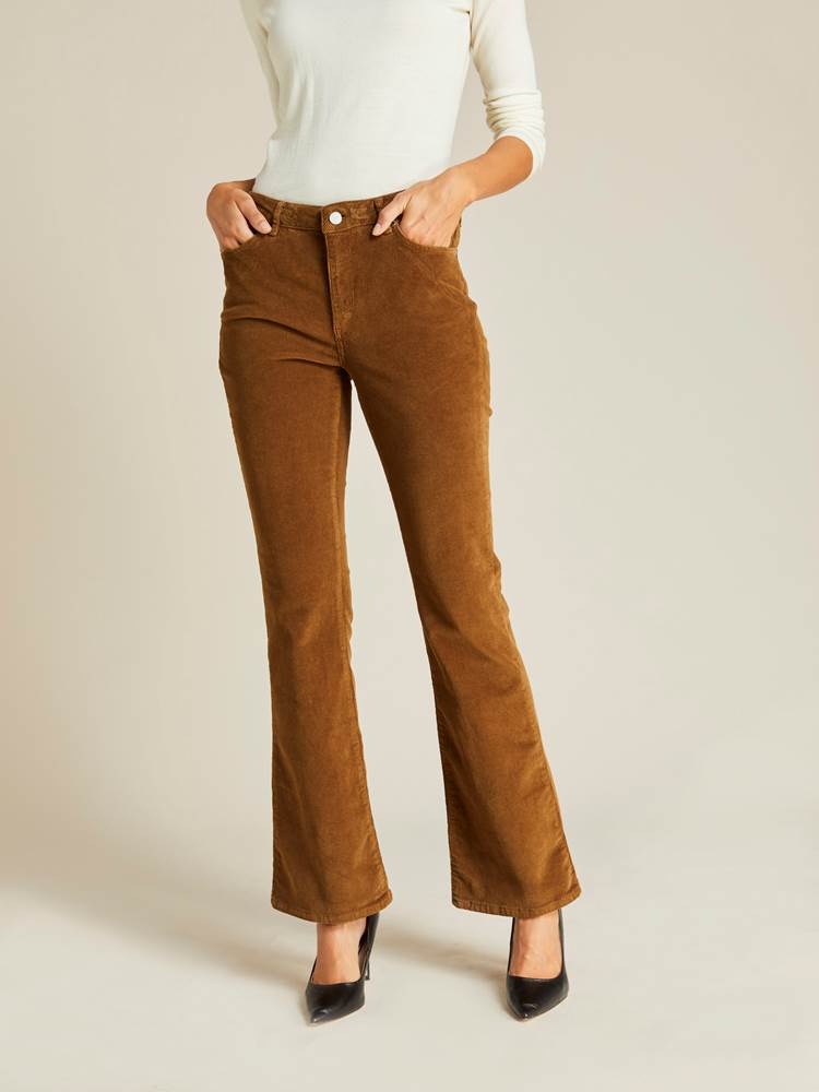 Sabine Cord Flare Pant 7239744_AFD-JEANPAULFEMME-A19-Modell-front_29574_Sabine Cord Flare Pant AFD.jpg_Front||Front