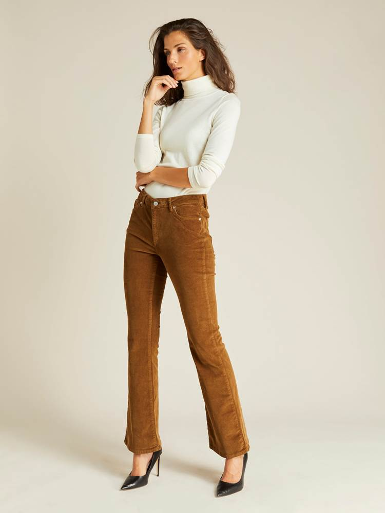 Sabine Cord Flare Pant 7239744_AFD-JEANPAULFEMME-A19-Modell-front_30843_Sabine Cord Flare Pant AFD.jpg_Front||Front