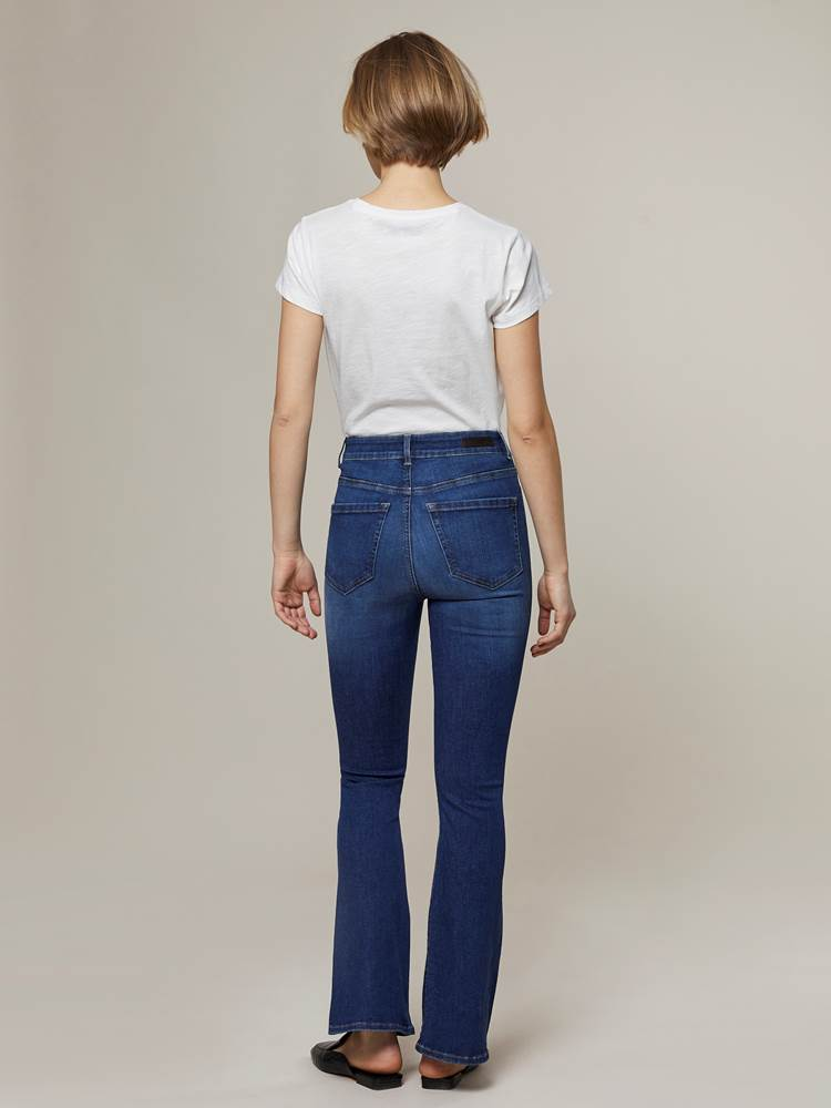 Ine Highwaist Flared Jeans 7244345_D04-JEANPAULFEMME-A20-Modell-back_75237_Ine Highwaist Flared Jeans D04.jpg_Back||Back