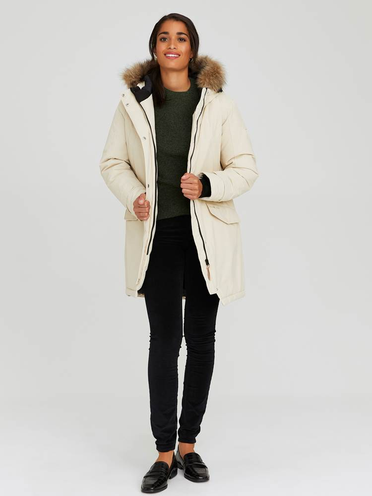 Carry Parkas 7244016_I3E-JEANPAULFEMME-A20-Modell-front_52749_Carry Parkas I3E.jpg_Front||Front