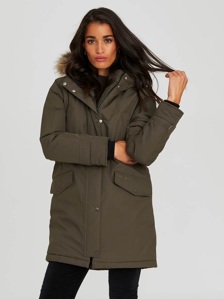 Carry Parkas 7244016_AIB-JEANPAULFEMME-A20-Modell-front_80053_Carry Parkas AIB.jpg_Front||Front