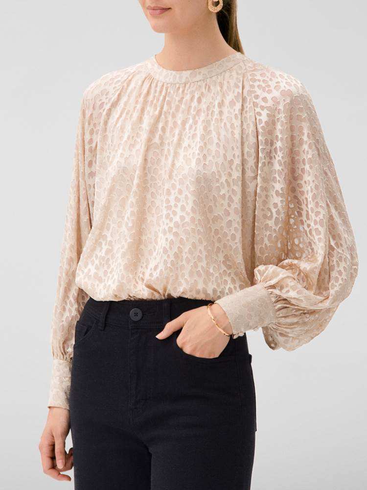 Edie Bluse 7245424_A9I-DONNA-W20-Modell-left_Edie Bluse A9I.jpg_Left||Left