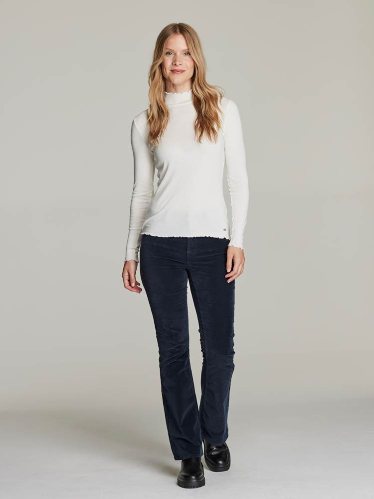 Arianne Topp 7248440_O79-JEANPAULFEMME-W21-Modell-front_89181_Arianne Topp O79.jpg_Front||Front