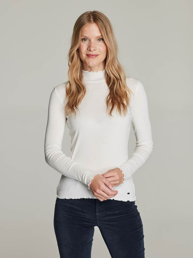 Arianne Topp 7248440_O79-JEANPAULFEMME-W21-Modell-front_59655_Arianne Topp O79.jpg_Front||Front