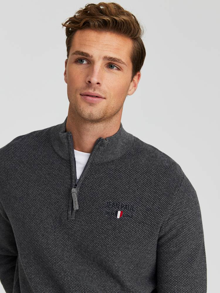 Dion Genser 7245079_IFH-JEANPAUL-W20-Modell-front_37228_Dion Knit IFH_Dion Genser IFH.jpg_Front||Front