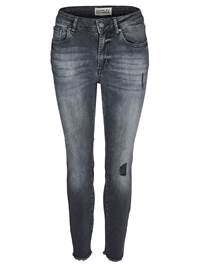 Skinny Cropped Stretch Jeans 7235416_D05-MCDONNA-A18-front_Skinny Cropped Stretch Jeans D05_Skinny Chic Blk.Blk. Cropped S.jpg_Front||Front