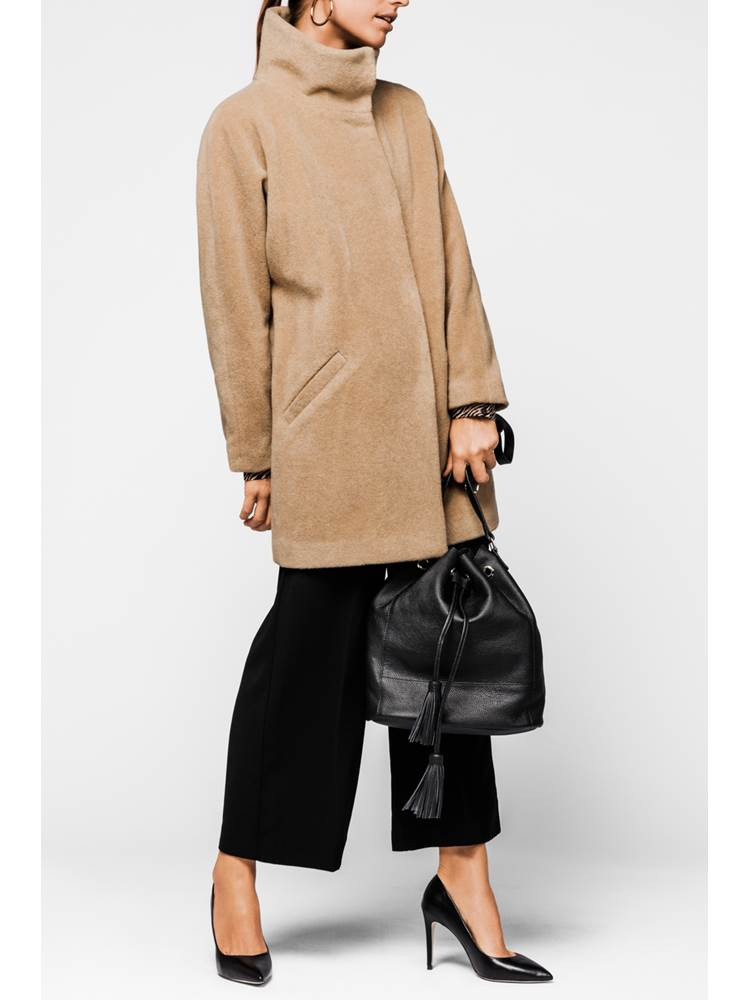 Berry Kåpe 7234551_AFB-MARIEPHILIPPE-A18-Modell-front_Berry Kåpe AFB.jpg_Front||Front