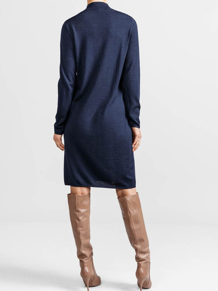 Pierette Kjole 7235573_JEAN PAUL_PIERETTE KNIT DRESS_BACK_M_EM6_ENB_Pierette Kjole ENB.jpg_