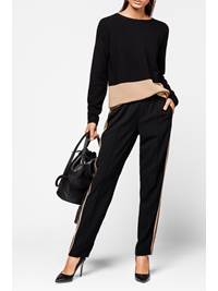 London Track Pant 7236221_CAB-MARIEPHILIPPE-A18-Modell-front_London Track Pant CAB.jpg_Front||Front