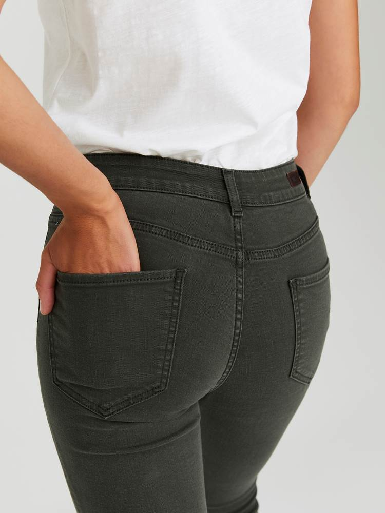 Sabine Cropped Color Jeans 7244251_GOY-JEANPAULFEMME-A20-Modell-back_47377_Sabine Cropped Color Jeans GOY 7244251 7244251 7244251 7244251.jpg_Back  Back