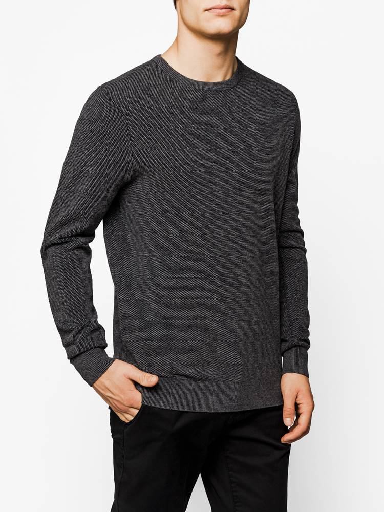 Chandler Genser 7238583_IC8-MARIO CONTI-A19-Modell-Front_Chandler Genser IC8.jpg_Front||Front